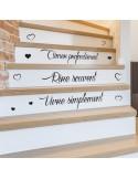 Sticker citation escalier vivre simplement