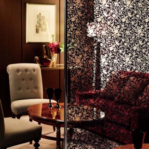 Film décoratif floral vitre