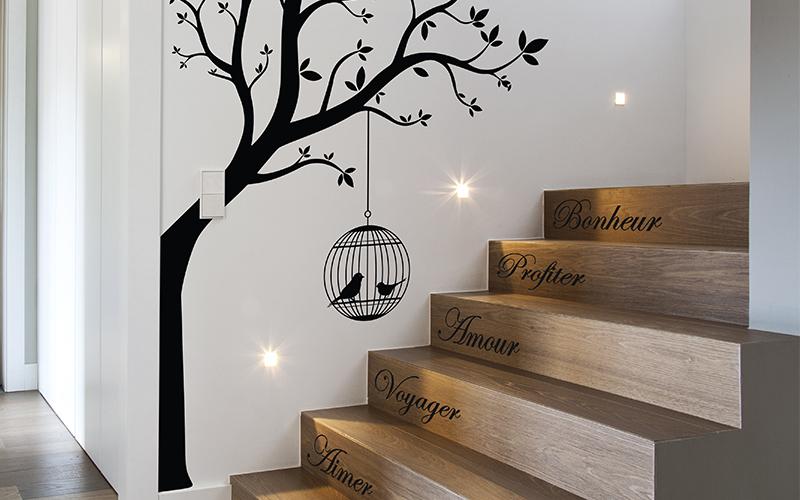 Décoration montée d'escalier