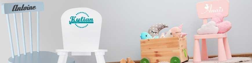 Stickers chaise enfant. Sticker prénom à personnaliser pour décorer